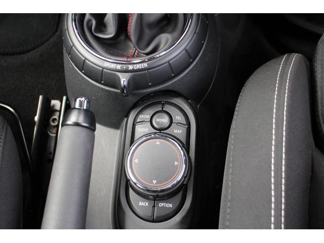 当社にはハマー・H2やシボレー・エクスプレス等も積載できる積載車がございますので、いざという時にはお車の引き取りも可能です。