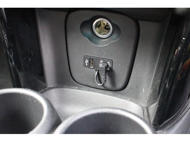 当社の併設整備工場では、車検はもちろん、アフターパーツの取付けやタイヤ交換やその他の作業も可能です。必要でしたら代車もご用意できますので、是非一度お問い合わせください。