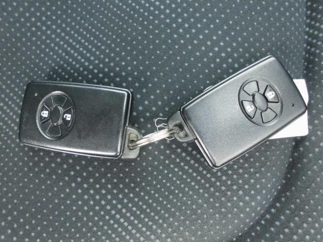 トヨタ ラクティス G Lパッケージ HIDセレクションII スマートキー CD