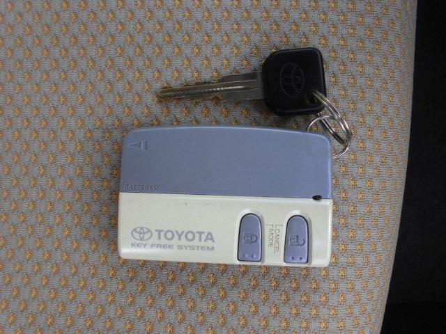 トヨタ パッソ G Fパッケージ スマートキー 純正CD 外アルミ