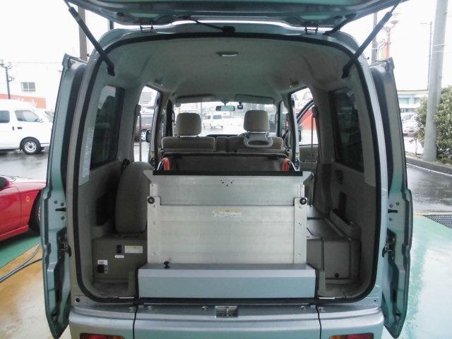 スローパーリアシート付き4人乗り車いす固定両側スライドドア福祉車両キーレス電格ミラー(9枚目)