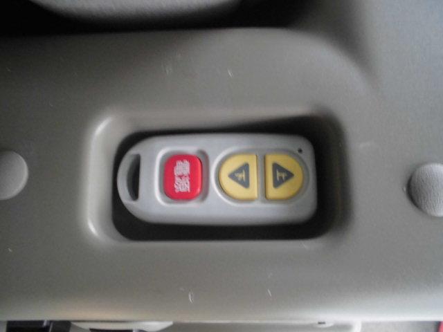 スローパーリアシート付き4人乗り車いす固定両側スライドドア福祉車両キーレス電格ミラー(12枚目)