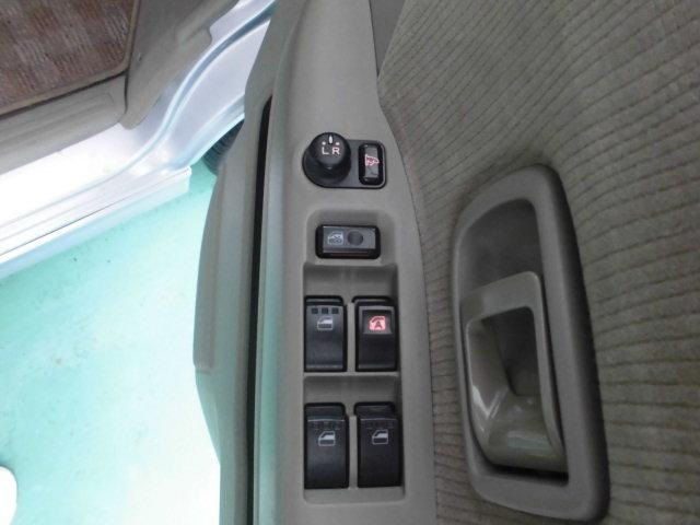 スローパーリアシート付き4人乗り車いす固定両側スライドドア福祉車両キーレス電格ミラー(18枚目)