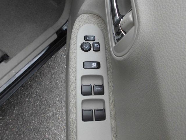 X 全方位モニター付きメモリーナビ装着車スマートキープッシュスタートETCシートヒーターアイドルストップ(17枚目)