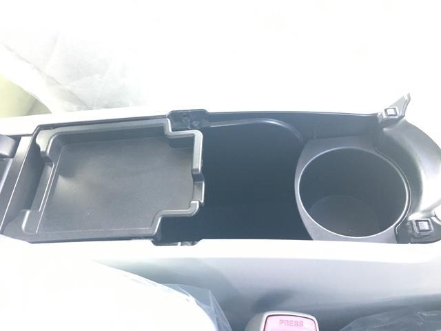 「トヨタ」「プリウス」「セダン」「香川県」の中古車30