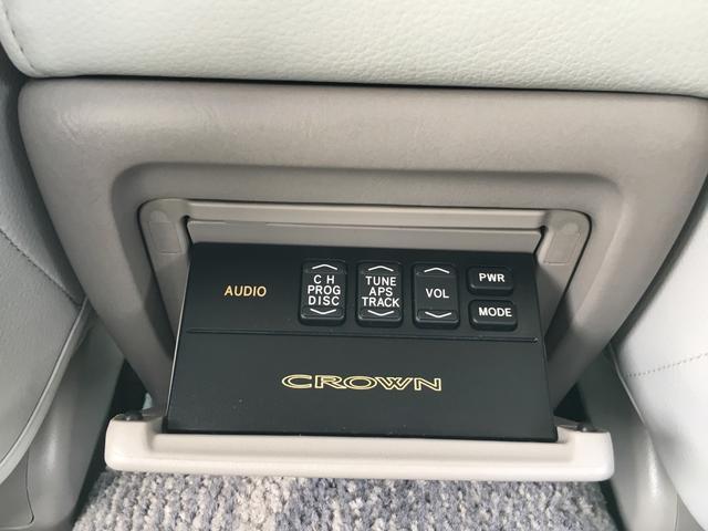 トヨタ クラウン ロイヤルサルーン 社外19インチAW HIDヘッドライト