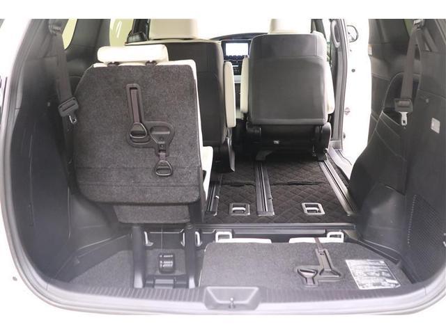 サードシートはトランクルームに収納できます!