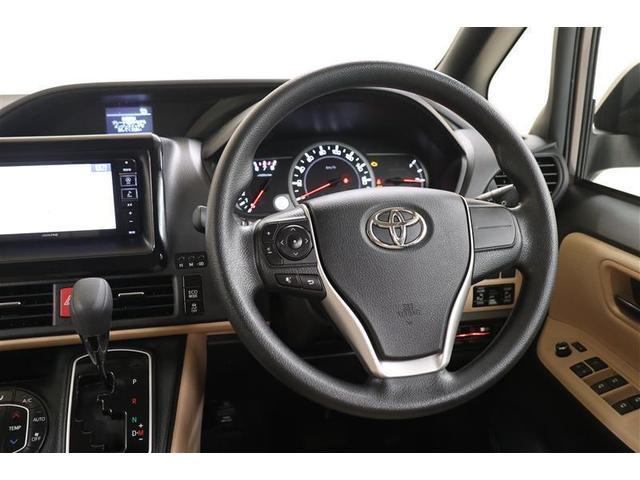 車内の中にも、コントラストがあって高級感が溢れています!