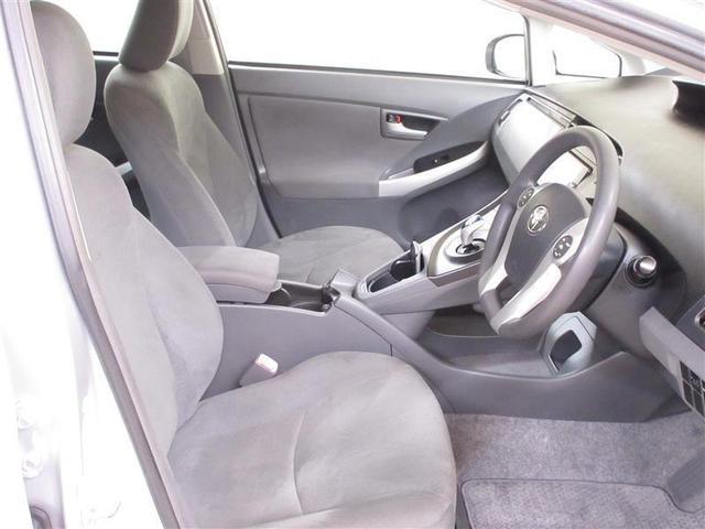 清潔で広々した座席です!是非、現車を見て体感してみてください。