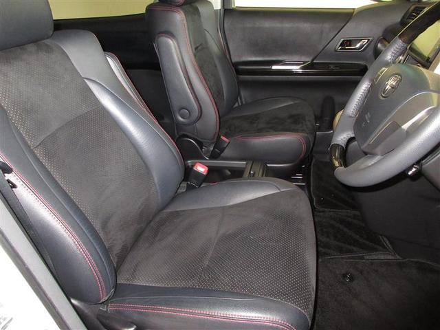 全席ゆったりと乗れるシートでゲストを暖かく迎え入れてくれます!