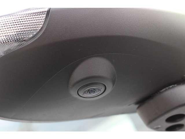 ※純正ナビの取付でパノラマモニターの使用が可能です。苦手な縦列駐車も上空から見下ろした映像を映し出すパノラマモニターがサポートします!