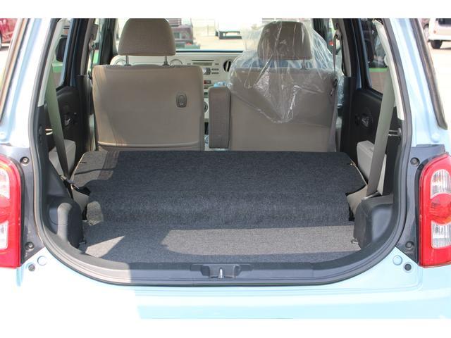 後部座席を折り畳めば、トランクケースなども積み込めます!