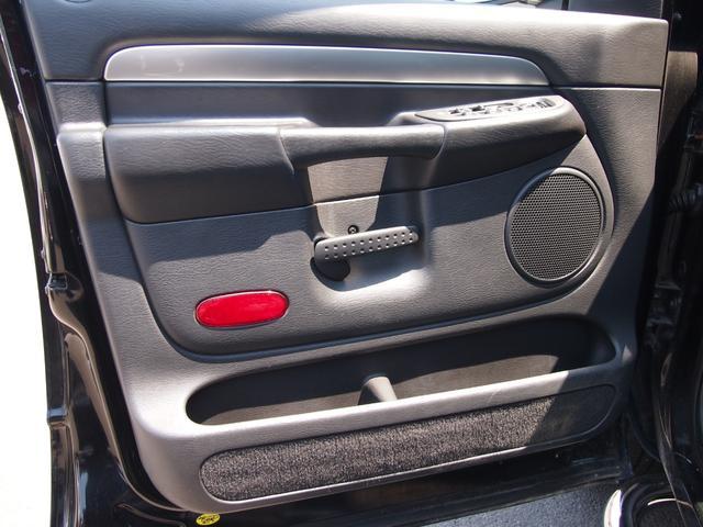 「ダッジ」「ラムバン」「SUV・クロカン」「香川県」の中古車26