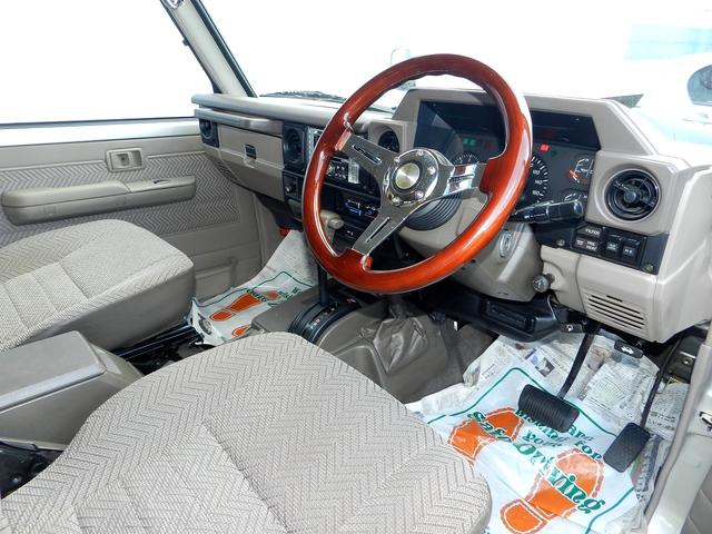 トヨタ ランドクルーザー70 LX 後期ブラックフェイス 社外バンパー フェンダーミラー