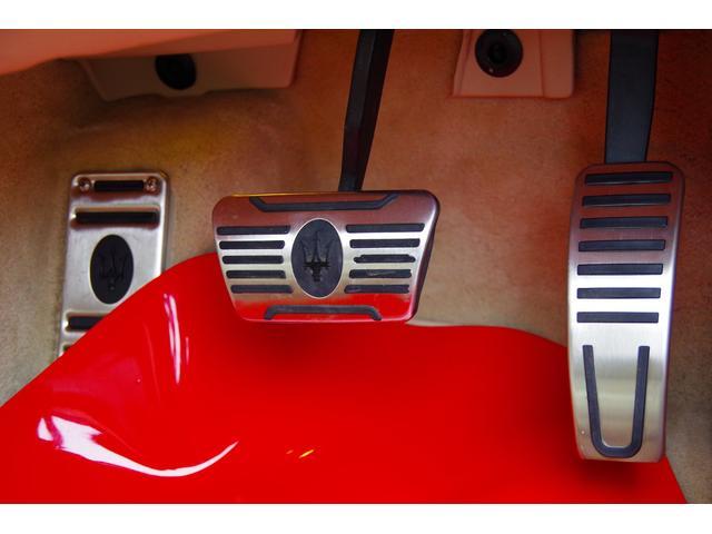 マセラティ マセラティ クアトロポルテ V6エンジン3000ターボ