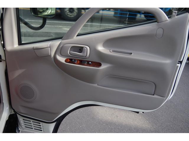 運転席ドア内張り綺麗です。