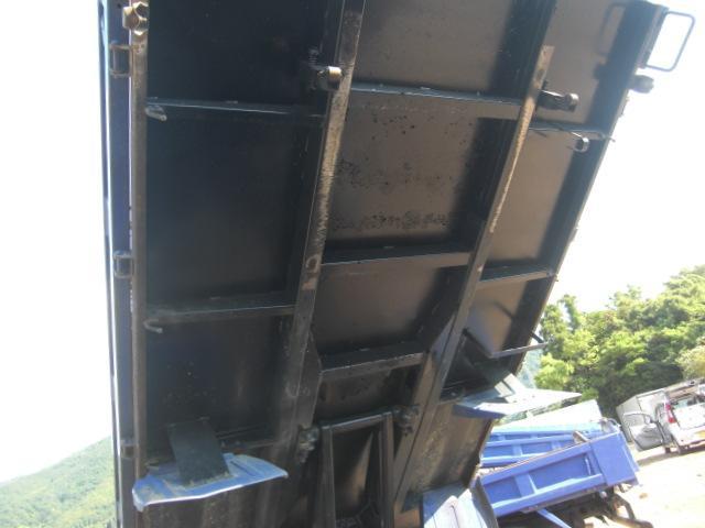 三菱ふそう キャンター 2tダンプ 全低床 積載2t