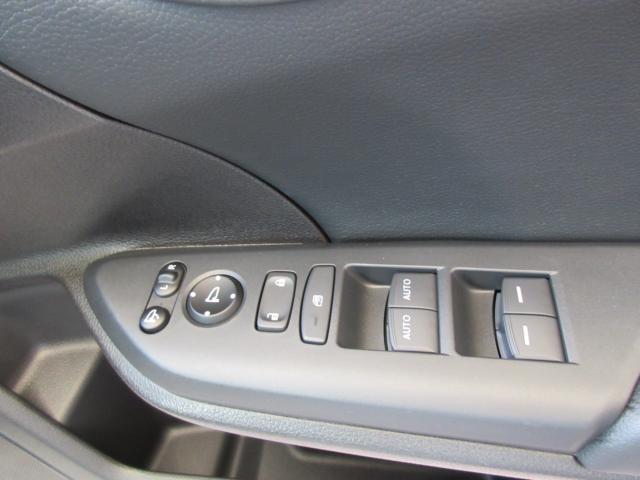 ベースグレード 元試乗車 メモリーナビ ETC LEDヘッドライト バックカメラ(11枚目)