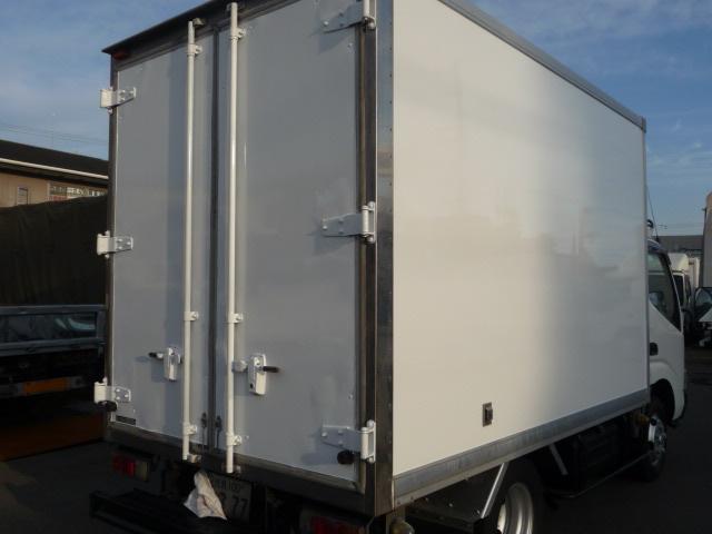 デユトロ2トン保冷車(2枚目)