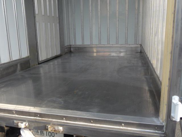 デユトロ2トン保冷車(3枚目)