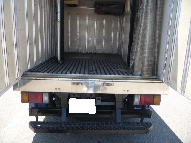 いすゞ エルフトラック エルフ1.5トン中温冷凍車スタンバイ