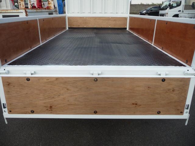 キヤンター2トン低床4WD(3枚目)