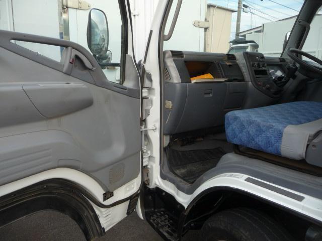 キヤンター2トン低床4WD(9枚目)