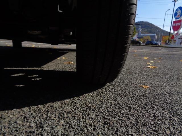 カスタムG リミテッド SAIII 全方位モニター 被害軽減装置 FRコーナーセンサー 前席シートヒーター オートLEDヘッドライト フォグランプ LEDデイライト 純正アルミ ロールサンシェード シートバックテーブル(54枚目)