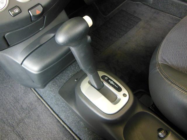 ベースグレード HDDナビ 電動オープン シートヒーター付(11枚目)