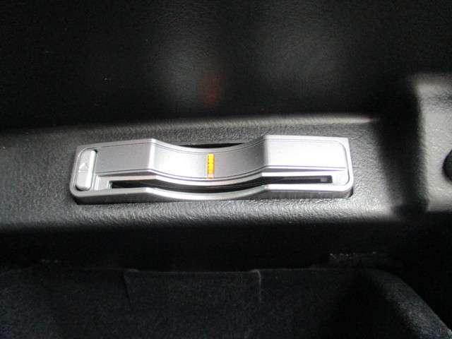 GエアロHDDナビスペシャルパッケージ 革シート 両側パワースライドドア(18枚目)