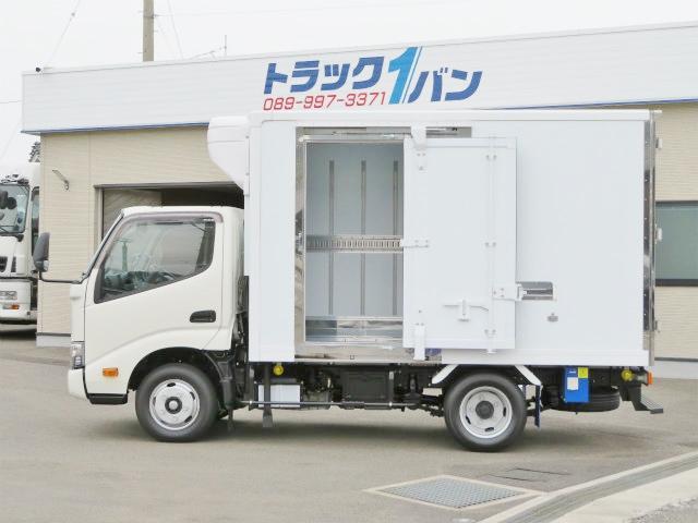 2t 全低床 冷蔵冷凍車(9枚目)