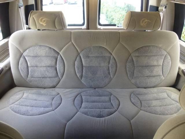 シボレー シボレー エクスプレス コンバージョン 4キャプテンシート 1ソファーベッド