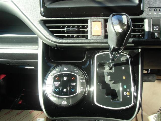 トヨタ エスクァイア Gi 両側電動スライドドア