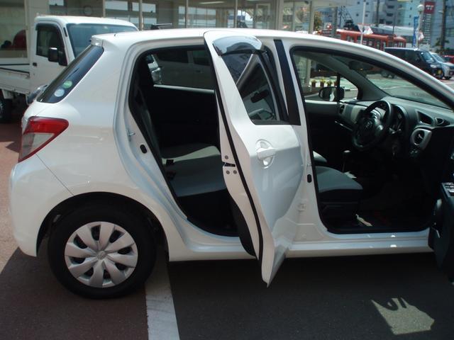 「トヨタ」「ヴィッツ」「コンパクトカー」「愛媛県」の中古車8