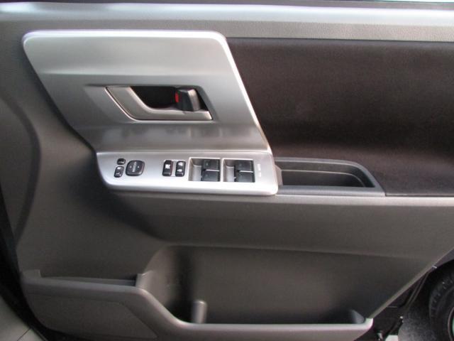 「トヨタ」「ヴォクシー」「ミニバン・ワンボックス」「愛媛県」の中古車16