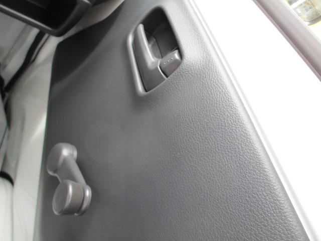 M 届出済未使用車 2WD 5速MT エアコン パワステ Wエアバック ABSブレ-キ AM/FMラジオ(時計付)(15枚目)