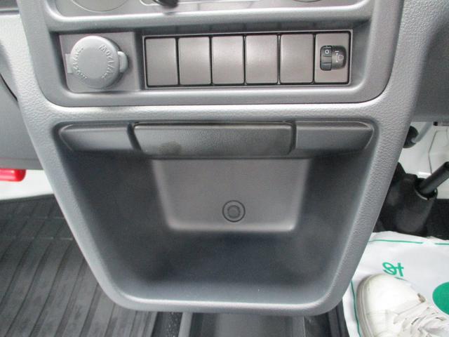 M 届出済未使用車 2WD 5速MT エアコン パワステ Wエアバック ABSブレ-キ AM/FMラジオ(時計付)(22枚目)