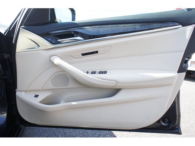 523dツーリング Mスポーツ ハイライン・イノベーションパッケージ ディーゼル 純正ナビ フルセグ 全方位カメラ 諸突軽減装置 電動パノラマルーフ パワーバックドア ヘッドアップディスプレイ ブラックグリル ディスプレイキー(52枚目)