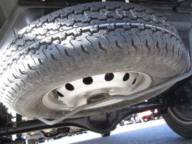 Vタイプ 5速MT 2WD 走行距離1万キロ FM/AMラジオ エアコン パワステ(12枚目)