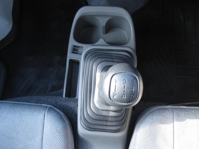 Vタイプ 5速MT 2WD 走行距離1万キロ FM/AMラジオ エアコン パワステ(28枚目)