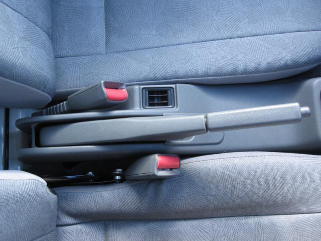 Vタイプ 5速MT 2WD 走行距離1万キロ FM/AMラジオ エアコン パワステ(29枚目)