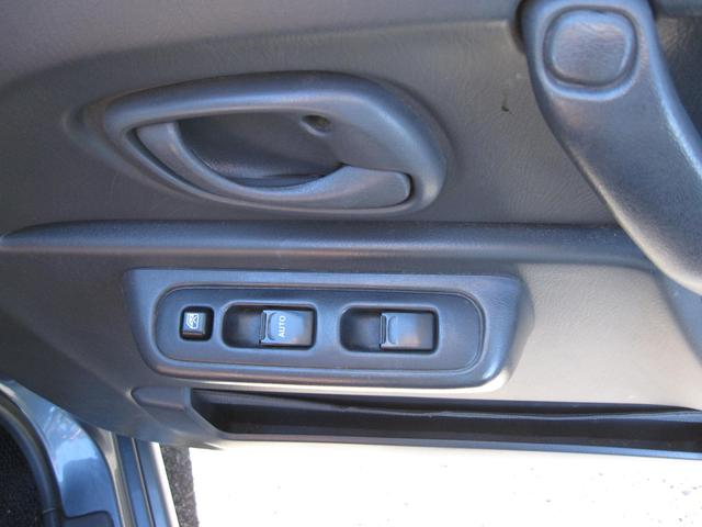 ランドベンチャー CDオーディオ シートヒーター 4WD 革シート キーレス(30枚目)