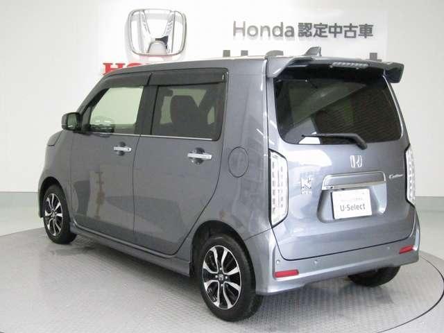Nシリーズは、HONDA独自のセンターレイアウト燃料タンクで、重量バランスも良く、フロアがとても広く使えるので、見た目以上の車内空間を実現しています。