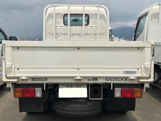 2t 10尺 トラック ガソリン車 MT(8枚目)