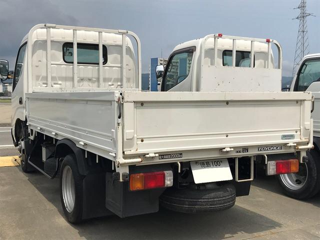 2t 10尺 トラック ガソリン車 MT(10枚目)