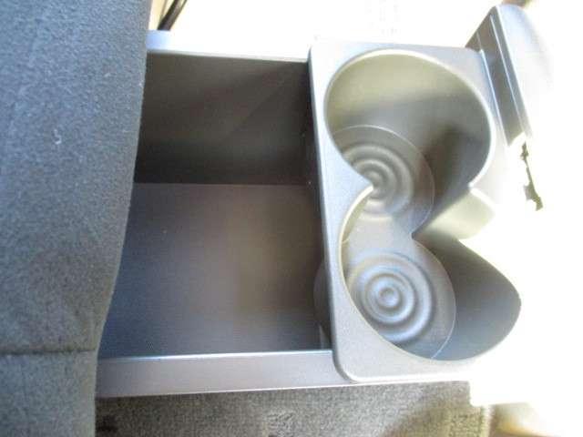 カップホルダー&収納スペース!自由に使えるキューブMY room