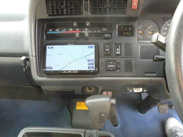 ロングスーパーGL 8人乗り公認・4WD・3000ディーゼル・外品15AWBSデューラーATタイヤ・ケンウッドメモリーナビ・バックカメラ・ミラー1体型ドライブレコーダー・分離型ETC・リヤヒーター・リヤエアコン(14枚目)