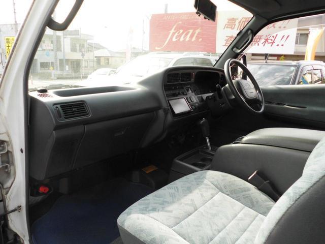 ロングスーパーGL 8人乗り公認・4WD・3000ディーゼル・外品15AWBSデューラーATタイヤ・ケンウッドメモリーナビ・バックカメラ・ミラー1体型ドライブレコーダー・分離型ETC・リヤヒーター・リヤエアコン(17枚目)
