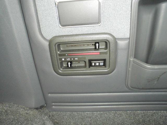 ロングスーパーGL 8人乗り公認・4WD・3000ディーゼル・外品15AWBSデューラーATタイヤ・ケンウッドメモリーナビ・バックカメラ・ミラー1体型ドライブレコーダー・分離型ETC・リヤヒーター・リヤエアコン(19枚目)