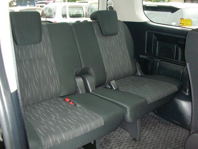 トヨタ ヴォクシー ZS 煌II 後期モデル 電動スライドドア 8人乗り